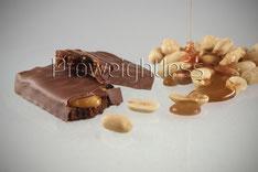 Zuckerarmer Riegel mit Karamell und Erdnussfüllung von Proweightless