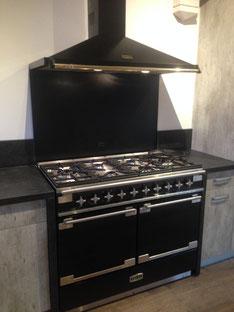 Cuisine loft industriel cuisines dauzet for Piano de cuisine falcon