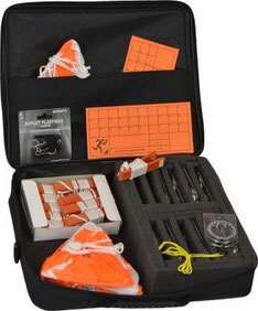Mallette pour jeux scolaires de course d'orientation : boussoles, cartons, pinces, cartons de contrôle, sifflet à acheter au meilleur prix. Vente de mallette d'orientation à prix discount.