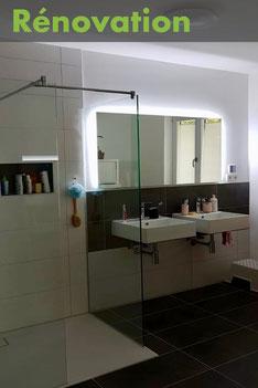 Salle de bain après rénovation chez un particulier à Albertville, réalisée par Arnaud, électricien