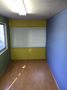 内装壁も丁寧に塗装しました。