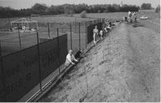 1995 Bau der zwei Tennisplätze