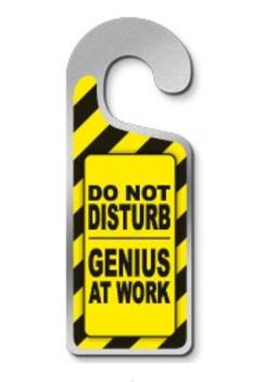 Metalen deurhanger Do not disturb genius at work € 3,95