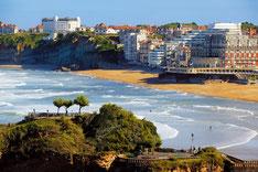 La plage de la côte des basques à Biarritz