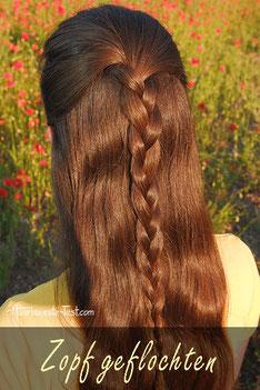 Halboffene Frisur mit Flechtzopf