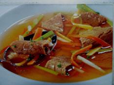 Auf dem Bild sieht man einen schnell zubereiteten Suppentopf...mmmhhhmmm der duftet