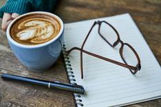 Mehrere Frauen im Gespräch