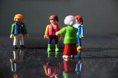 Systemische Familienaufstellung, Beratung, geschützer Rahmen, Bodenanker, Figuren, Systembrett