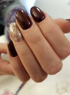 gel of gelish nagels met een mooi kleurtje zorgen voor verzorgde handen.