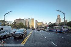 Argentinien - Südamerika - Reise - Motorrad - Honda Transalp - Extrabreite Straßen in Buenos Aires