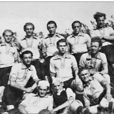 Die erste Fussballmannschaft Reußens nach 1945 / Bericht von Alfons Schulz in der J-P-30