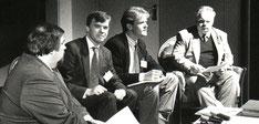 Da sitzt übrigens gerade kein geringerer als der Erfinder des ersten weltweit erfolgreichen Profi-DTP-Software (Quark) neben mir, Timm Gill.