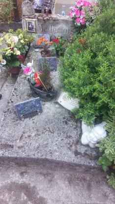 ペトラシューズ墓地にあるマドモアゼルルノルマンのお墓~ルノルマンパリ研修ツアー