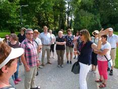 Die Reisegruppe bei der Führung durch die Innsbrucker Altstadt.