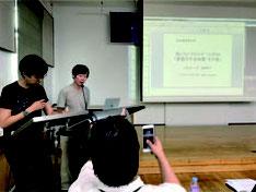 アライ=ヒロユキさんのソウルでのシンポ-講演画像 韓国・ソウルでのシンポ「表現の不自由展事件と東アジアの平和芸術」 で講演する筆者(2019 年8月27 日)。 写真提供:稲葉真以