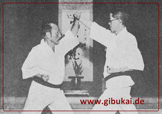 Kumite mit Funakoshi Gichin und Saigō Kichinosuke 1939.