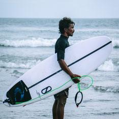 Surfschule in Bali billig günstig