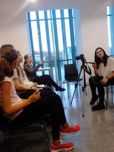 Preparant l'entrevista amb Care Santos