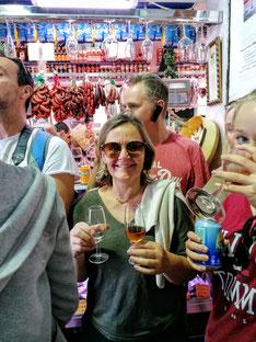 Dégustation de produits locaux séville sevilla food tour marché visite guidée en francais gastronomie andalouse tourisme ethique