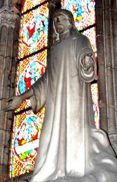 Sacré Coeur: statue de marbre de Sera Vezza