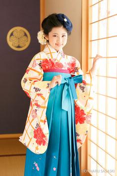 13-3 人気の袴も全年齢対応可能です。