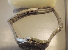 高級ブランド時計はベルト交換代も結構高くなります。部分修理でお得に修理してみてはいかがでしょうか。