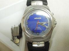 NIXON腕時計の電池交換とベルト修理