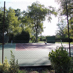 Tennis courts at Château Belle Epoque, Linxe (40)
