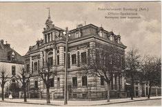 """Erst private Villa, dann Speiseanstalt mit """"Weinkeller"""" für Offiziere, später Wohnhaus, jetzt Verwaltungsgebäude: die Siegelsche Villa am Martinsplatz"""
