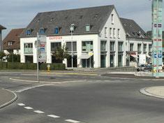 Raiffeisenhaus Frick (Verbundraffstoren und Markisen)