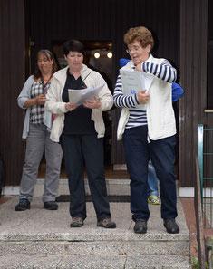 Siegerehrung, v.l.n.r. Brigit Heine, Helga Kramer und Rosemarie Neuwardt