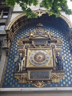 la plus vieille de paris, commandée par Charles V vers 1371