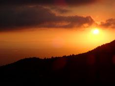 明石海峡方面に沈む夕日