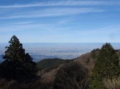 山頂広場(国見城址)から北摂方面の眺望