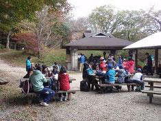 ちはや園地キャンプ場での昼食