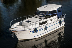 relativ leicht zu steuernde Boote