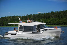 Boote mit Flydeck