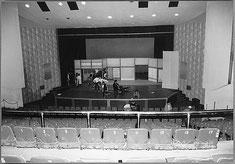 大連市青少年宮の舞台