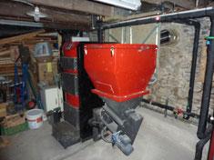 Chaudière bois Mixte Granulés & Bûches Combiburn DC 30 kW, Trémie granulés de 240 kg, brûleur granulés, Foyer bûche de 90 litres, 73170 Loisieux