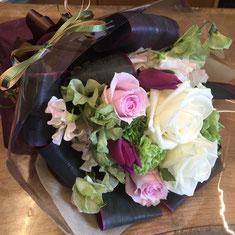 アンティーク風花束 バラ カーネーション スイトピー チューリップ
