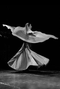 qi gong de la femme, danses derviches avec Nicole EL HAYANI - annuaire des thérapeutes via energetica
