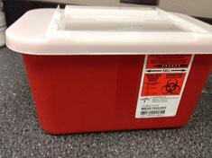 刃物の取り扱い危険物を破棄する容器