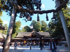 大神神社 奈良県桜井市鎮座。纏向遺跡付近にある日本最古の大社。大物主大神を主祭神としニギハヤヒとされる。