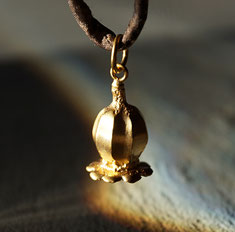 Mohnblüte Silberanhänger vergoldet massiv
