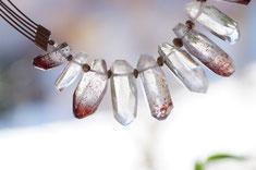 Edelsteinkette echt Bergkristall rote Einschlüsse