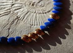 blaue Edelsteinkette Lapislazuli mit Gold