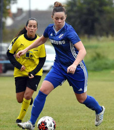 Wieder im Kader: Sarah Landinghoff-Schmidt (am Ball), hier gegen Rüsselsheims Angela Fedel.