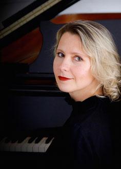 Klavierunterricht in Hannoverbei Ihnen zu Hause mitKonzertpianistinElena Bobrovskich