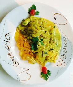 Teller Fetuccine Curry