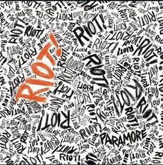 「RIOT」これからの人にはまずコレ。PARAMOREがブレイクしたアルバムです。パンクやエモの要素もありキャッチー。